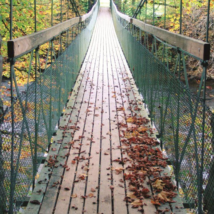 Flunauer Steg, Hängebrücke über die Argen   Foto K. Sprenger