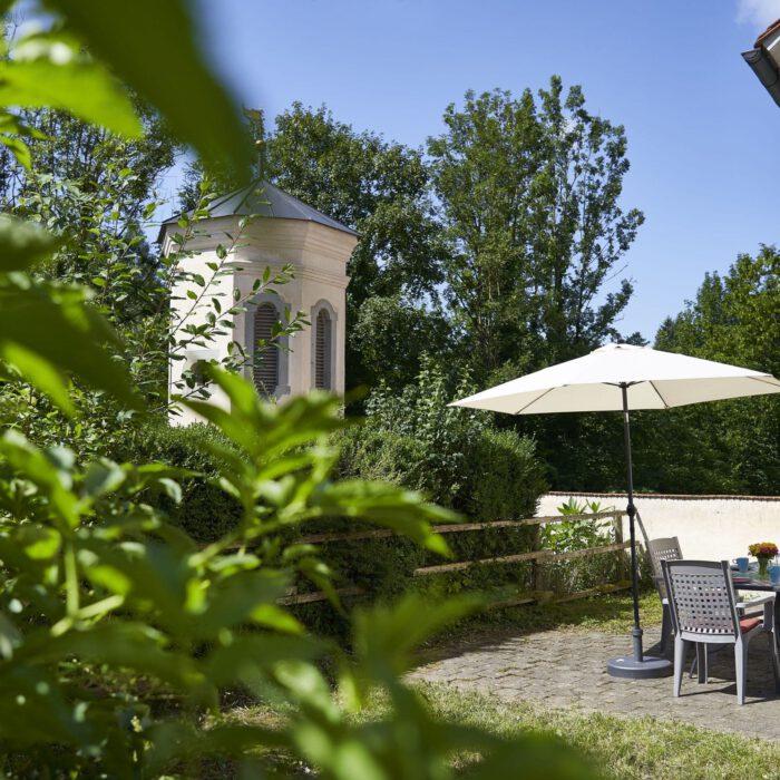 Ferienwohnungen, gemeinsame Terrasse mit Blick in die Natur | Foto Anja Koehler